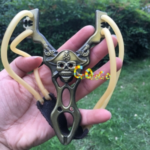 Powerful Alloy Steel Pocket Slingshot Outdoor Shooting Sports Gear Catapult Pirate Style with Natural Latex Rubber Band Sling