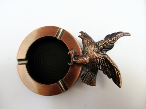 Vintage resin & metal ashtray male portable Oval ashtray Copper Flying Eagle Hawk top turned 360 degree