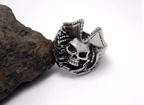 Stainless Steel Caribbean Captain Pirate Skull Ring Mens